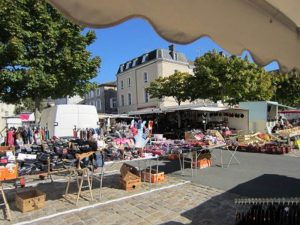 civray market france